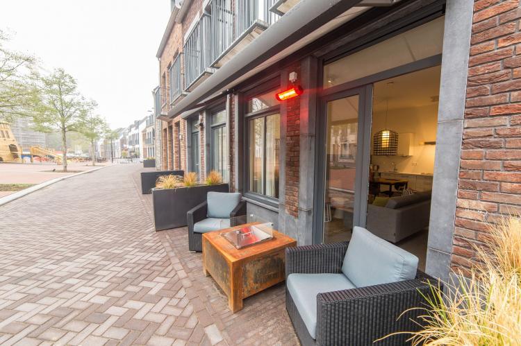 VakantiehuisNederland - Limburg: Resort Maastricht 21  [12]