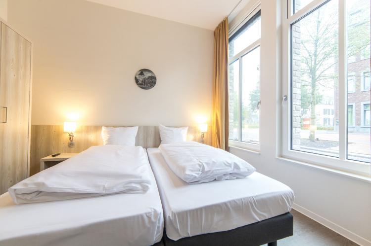 VakantiehuisNederland - Limburg: Resort Maastricht 21  [7]