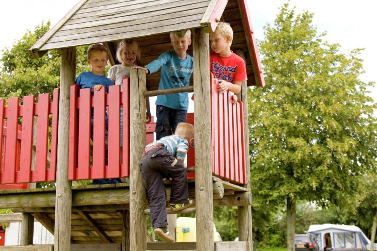 Holiday homeNetherlands - Friesland: Recreatiepark Bloemketerp 4  [4]