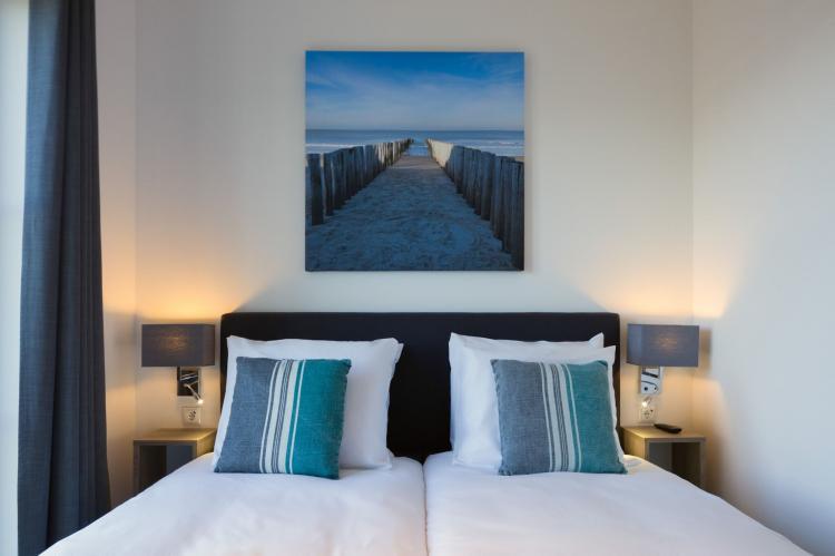 VakantiehuisNederland - Zeeland: Domein Het Camperveer Veerse Meer 5  [12]