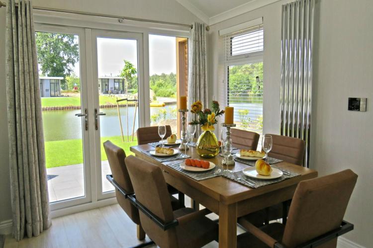 VakantiehuisNederland - Flevoland: Resort Zuiderzee 3  [3]
