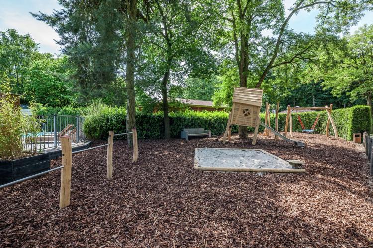 VakantiehuisNederland - Gelderland: Bungalowpark het Verscholen Dorp 2  [17]