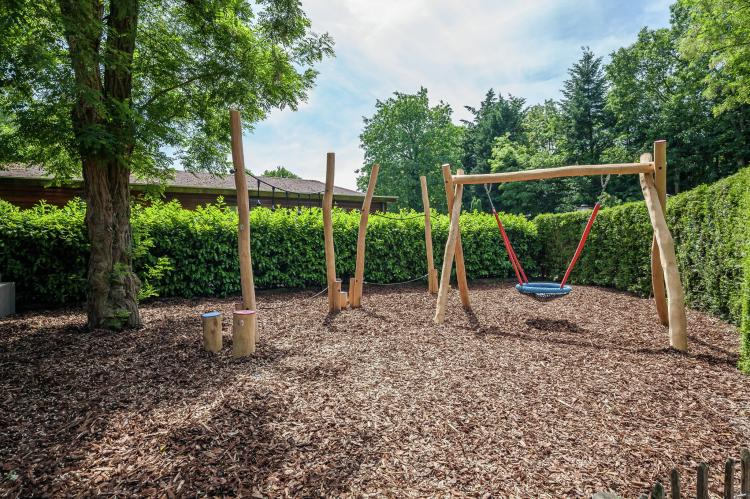 VakantiehuisNederland - Gelderland: Bungalowpark het Verscholen Dorp 2  [16]