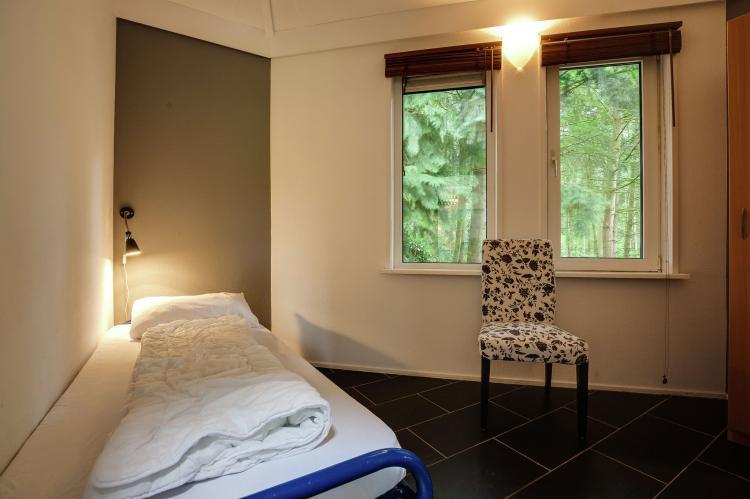 VakantiehuisNederland - Gelderland: Bungalowpark het Verscholen Dorp 2  [11]