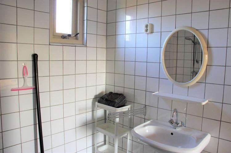 VakantiehuisNederland - Noord-Brabant: Polderhuisje 3 Aarde Groene Camping Lage Zwaluwe  [23]