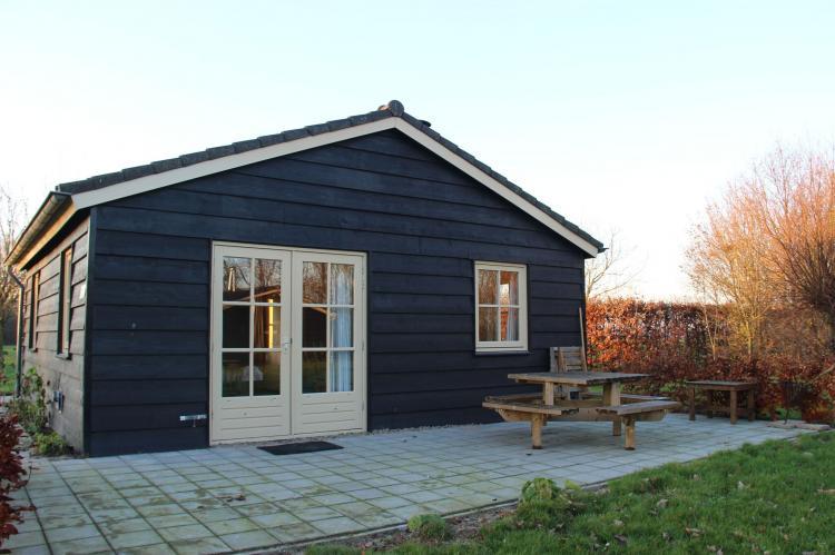 VakantiehuisNederland - Noord-Brabant: Polderhuisje 3 Aarde Groene Camping Lage Zwaluwe  [19]