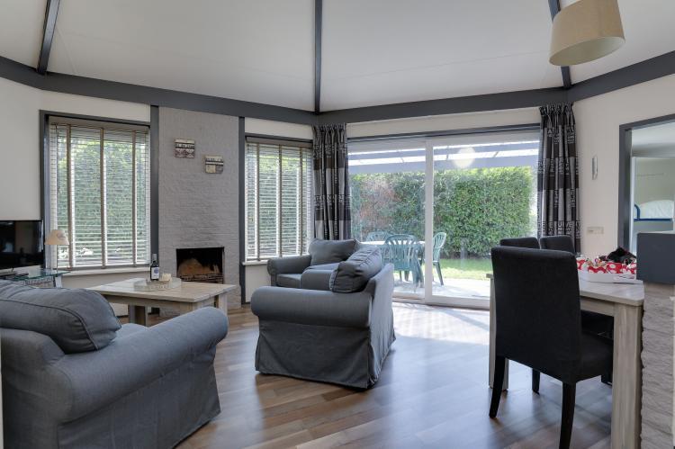VakantiehuisNederland - Gelderland: Bungalowpark het Verscholen Dorp 3  [7]
