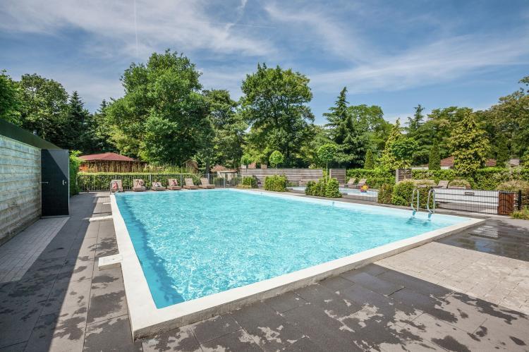 VakantiehuisNederland - Gelderland: Bungalowpark het Verscholen Dorp 3  [3]
