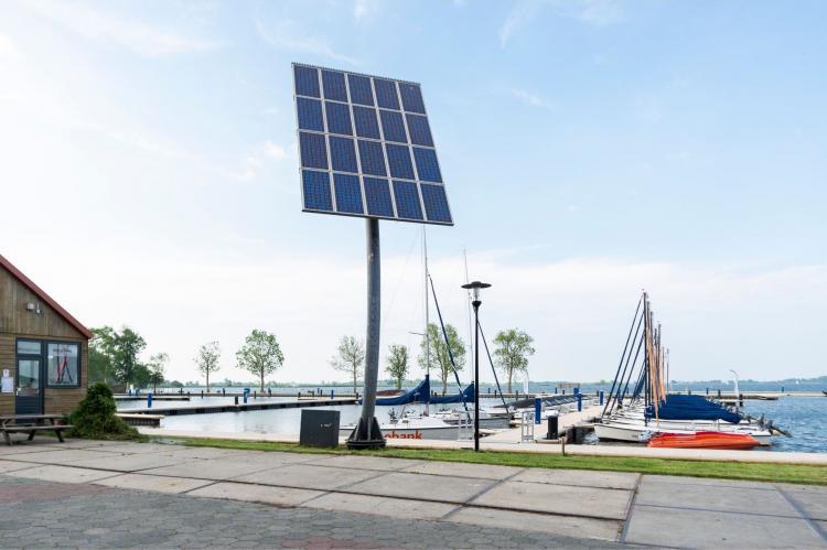 Holiday homeNetherlands - Friesland: Houseboat - Paviljoenwei - Offingawier  [55]