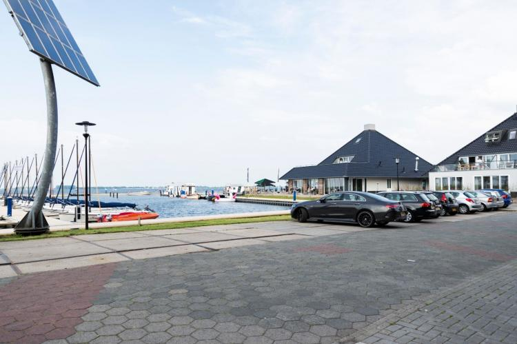 Holiday homeNetherlands - Friesland: Houseboat - Paviljoenwei - Offingawier  [53]