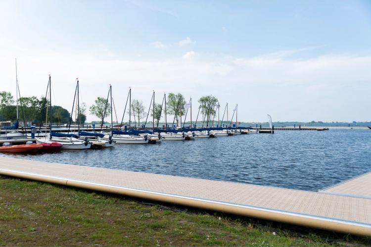 Holiday homeNetherlands - Friesland: Houseboat - Paviljoenwei - Offingawier  [57]