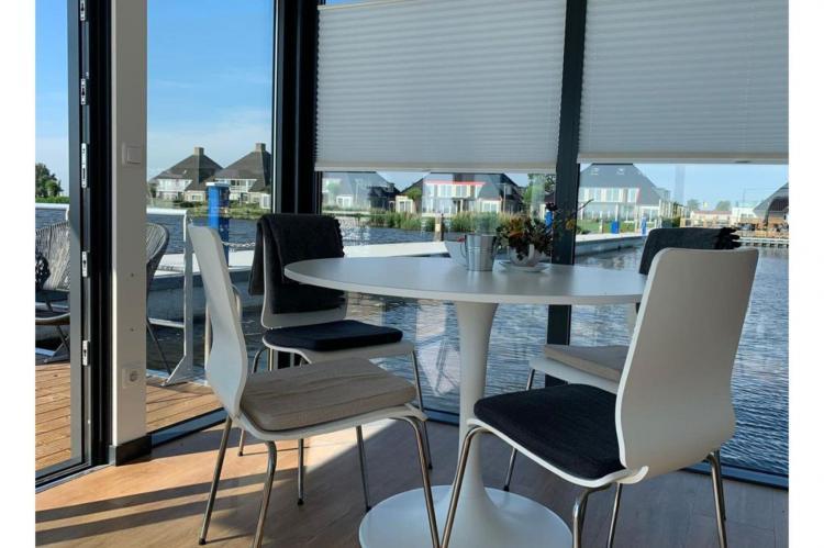 Holiday homeNetherlands - Friesland: Houseboat - Paviljoenwei - Offingawier  [15]