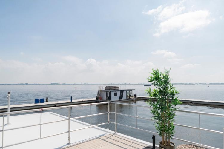 Holiday homeNetherlands - Friesland: Houseboat - Paviljoenwei - Offingawier  [41]