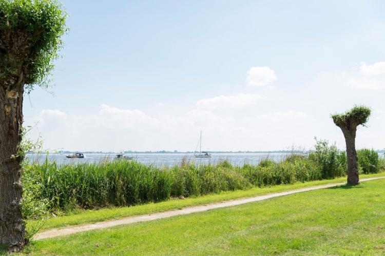 Holiday homeNetherlands - Friesland: Houseboat - Paviljoenwei - Offingawier  [43]