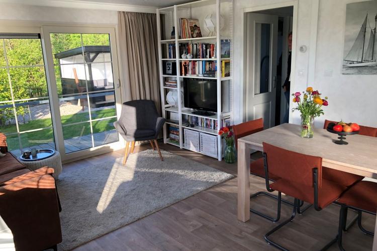 VakantiehuisNederland - Noord-Holland: Recreatiepark Wiringherlant - Wiringher Chalet 94  [6]
