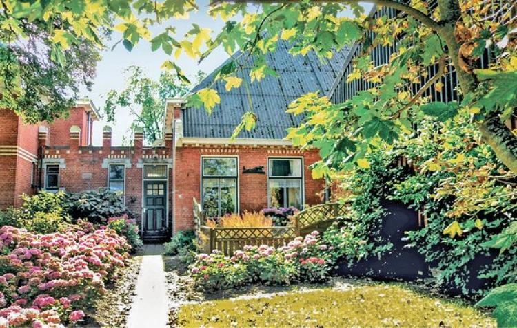 VakantiehuisNederland - Groningen: Saaxumhuizen  [1]