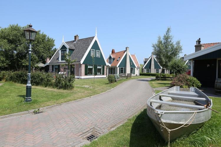 VakantiehuisNederland - Noord-Holland: Recreatiepark Wiringherlant  - Villa 4  [3]