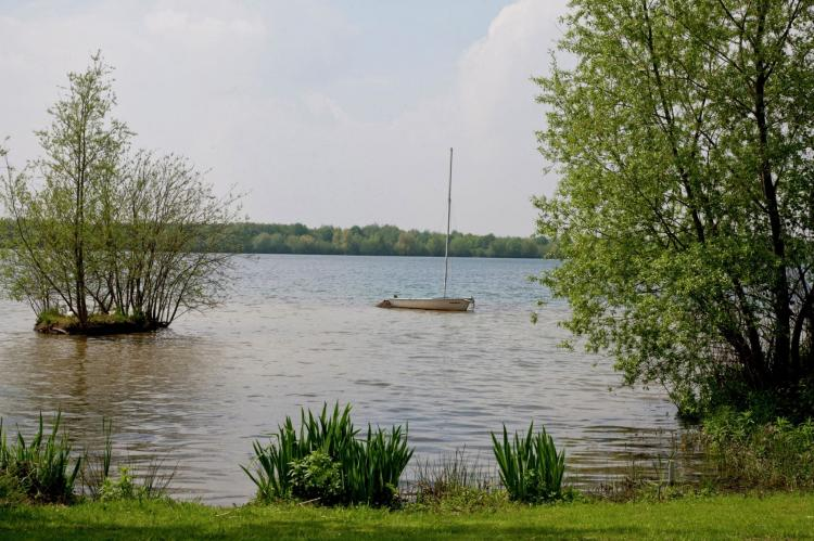 VakantiehuisNederland - Limburg: Maaspark Boschmolenplas - Havenblik  [23]