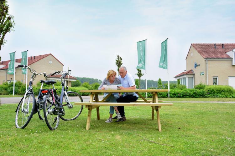 VakantiehuisNederland - Limburg: Maaspark Boschmolenplas - Havenblik  [40]