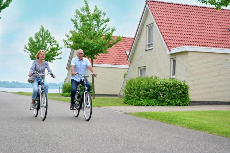 VakantiehuisNederland - Limburg: Maaspark Boschmolenplas - Havenblik  [38]