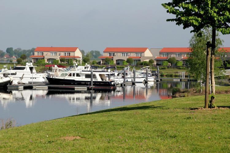 VakantiehuisNederland - Limburg: Maaspark Boschmolenplas - Havenblik  [22]