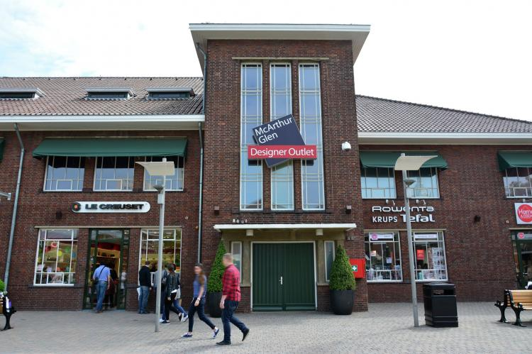VakantiehuisNederland - Limburg: Maaspark Boschmolenplas - Havenblik  [34]