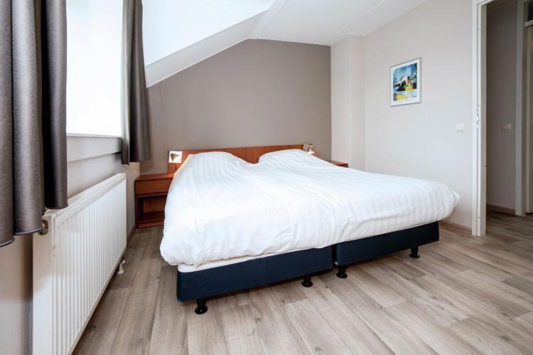 VakantiehuisNederland - Limburg: Maaspark Boschmolenplas - Havenblik  [8]