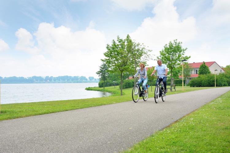 VakantiehuisNederland - Limburg: Maaspark Boschmolenplas - Havenblik  [37]