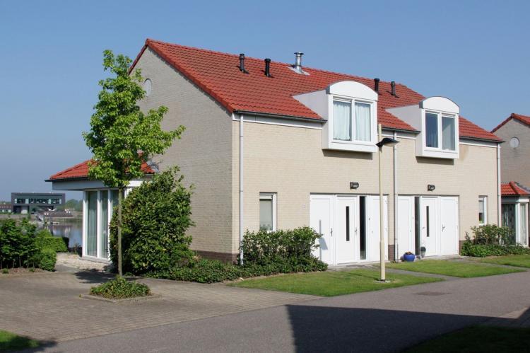 VakantiehuisNederland - Limburg: Maaspark Boschmolenplas - Havenblik  [1]
