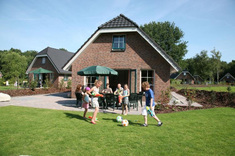VakantiehuisNederland - Drenthe: Landgoed Het Grote Zand - Type E8 1  [3]