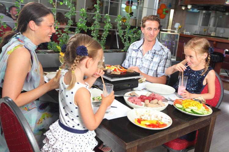 Holiday homeNetherlands - Limburg: Bungalowpark Schin op Geul 3  [19]