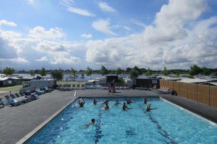 VakantiehuisNederland - Zeeland: Villapark de Paardekreek 3  [23]