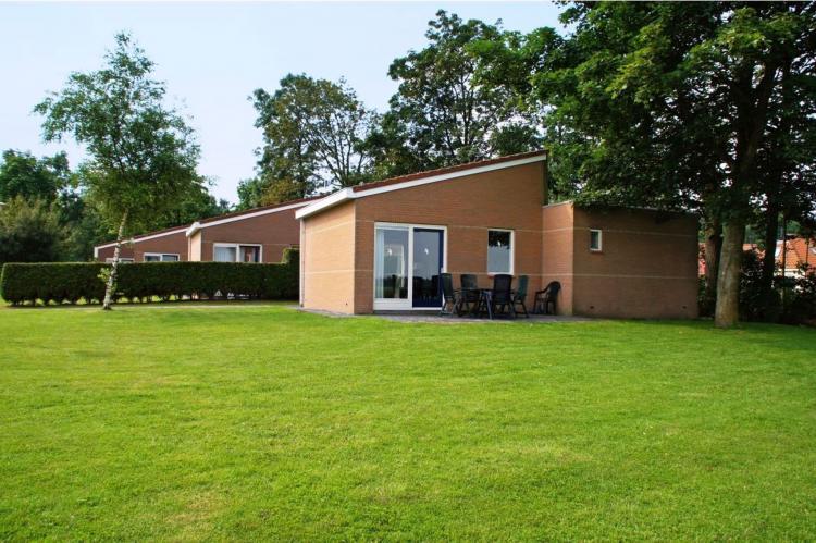VakantiehuisNederland - Friesland: Vakantiepark Bergumermeer 7  [1]