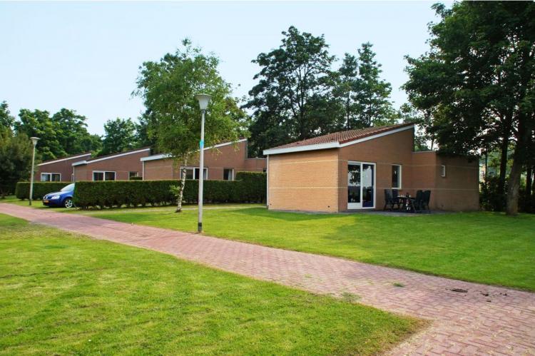 Holiday homeNetherlands - Friesland: Vakantiepark Bergumermeer 7  [2]