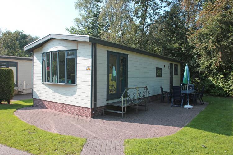 VakantiehuisNederland - Friesland: Vakantiepark Bergumermeer 8  [1]