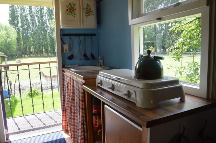 Holiday homeNetherlands - Noord-Brabant: Pipowagen de Weideblick  [12]