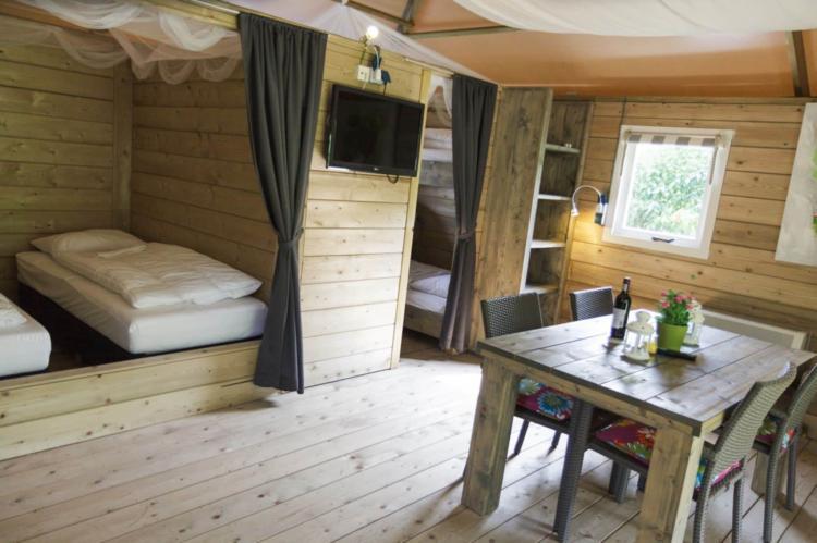 VakantiehuisNederland - Overijssel: Vakantiepark de Vossenburcht 1  [2]