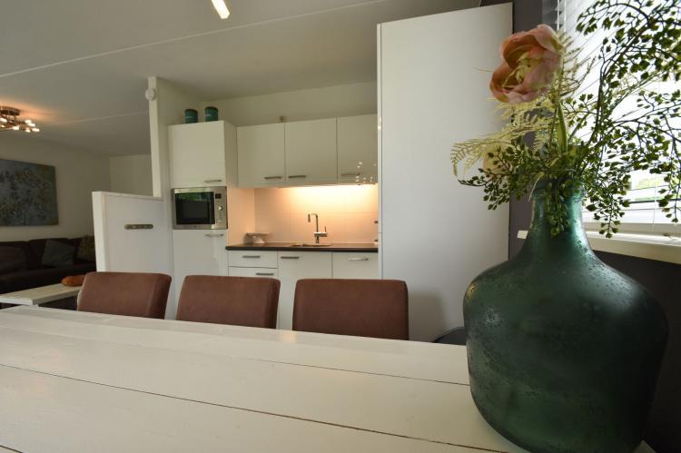 VakantiehuisNederland - Friesland: Wellness aan het Water  [8]