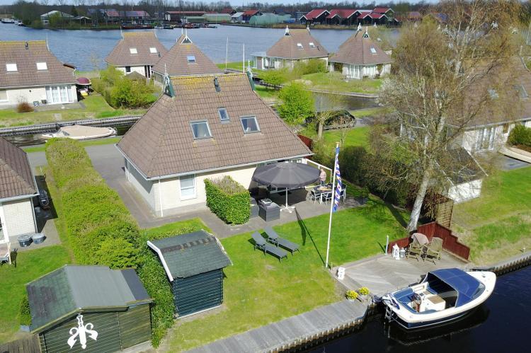 VakantiehuisNederland - Friesland: Wellness aan het Water  [1]