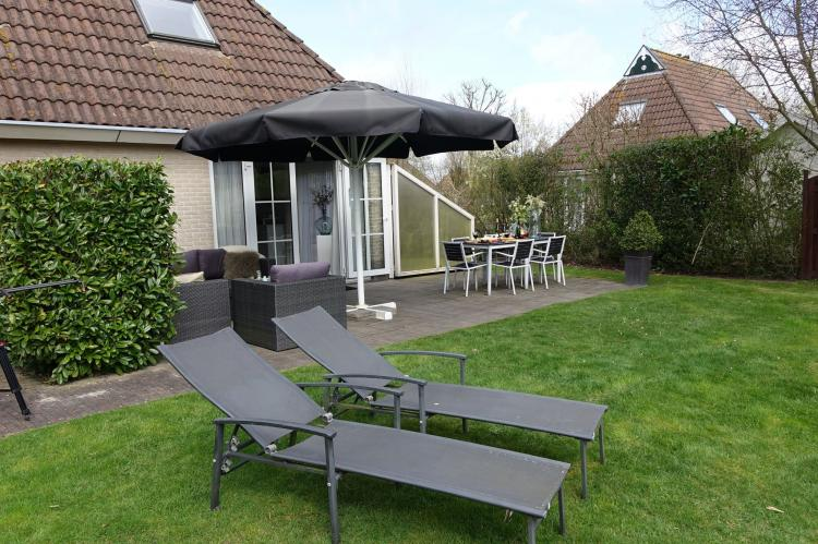 VakantiehuisNederland - Friesland: Wellness aan het Water  [19]