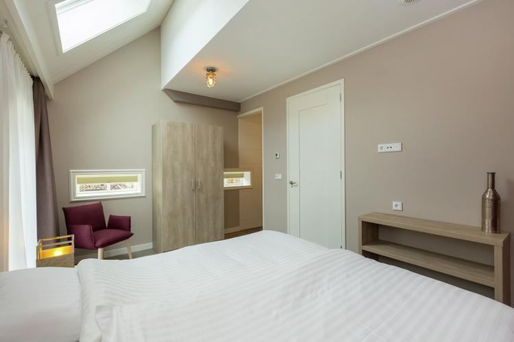 VakantiehuisNederland - Zeeland: De Zeeuwse Schuur - comfort plus 4 personen  [15]