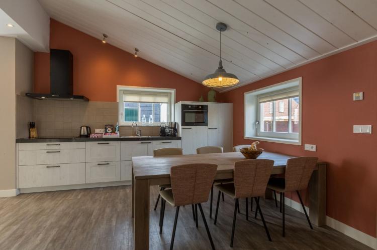 VakantiehuisNederland - Zeeland: De Zeeuwse Schuur - comfort 6 personen  [8]