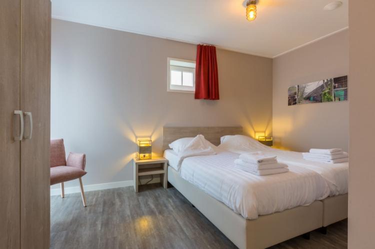 VakantiehuisNederland - Zeeland: De Zeeuwse Schuur - comfort 6 personen  [11]