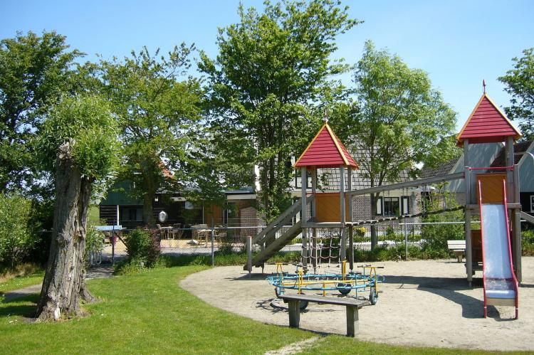 Holiday homeNetherlands - Noord-Holland: Recreatiepark Wiringherlant - 8-persoons chalet  [16]