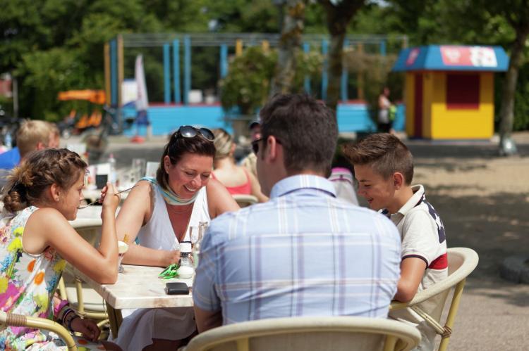 VakantiehuisNederland - Zeeland: Vakantiepark Hof Domburg 12  [39]
