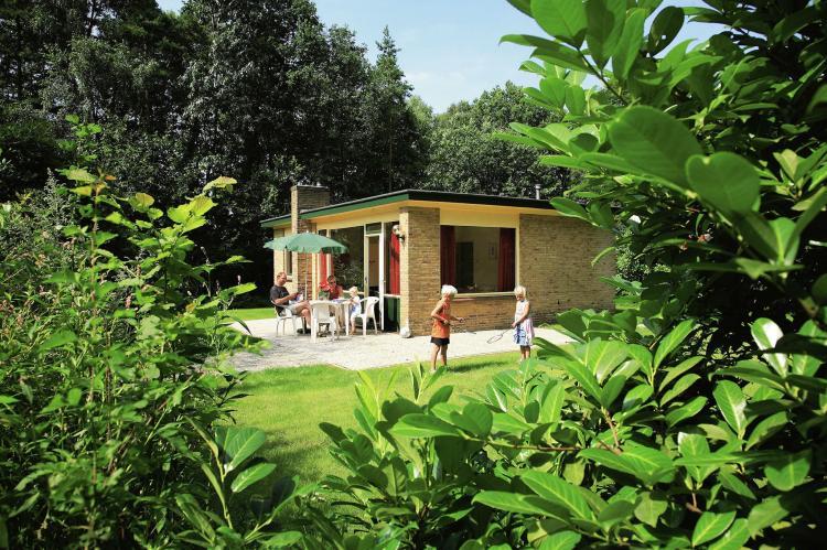 VakantiehuisNederland - Overijssel: Vakantiepark de Lindenberg 6  [2]
