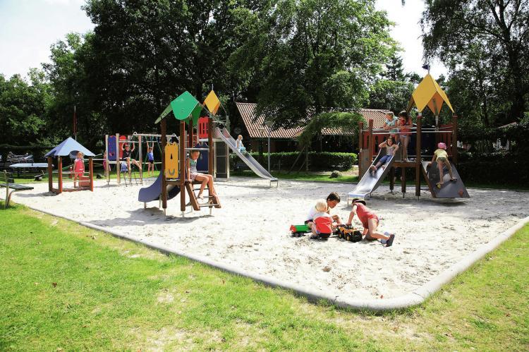 VakantiehuisNederland - Overijssel: Vakantiepark de Lindenberg 6  [10]