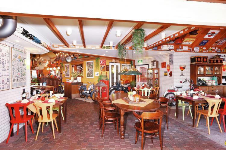 VakantiehuisNederland - Overijssel: Vakantiepark de Lindenberg 6  [16]