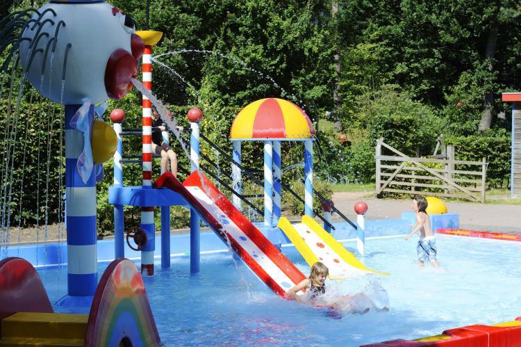 VakantiehuisNederland - Drenthe: RCN Vakantiepark de Noordster 5  [6]
