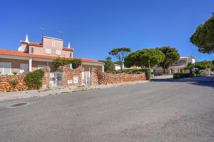 Holiday homePortugal - Algarve: Villa Flores do Golfe 1  [6]